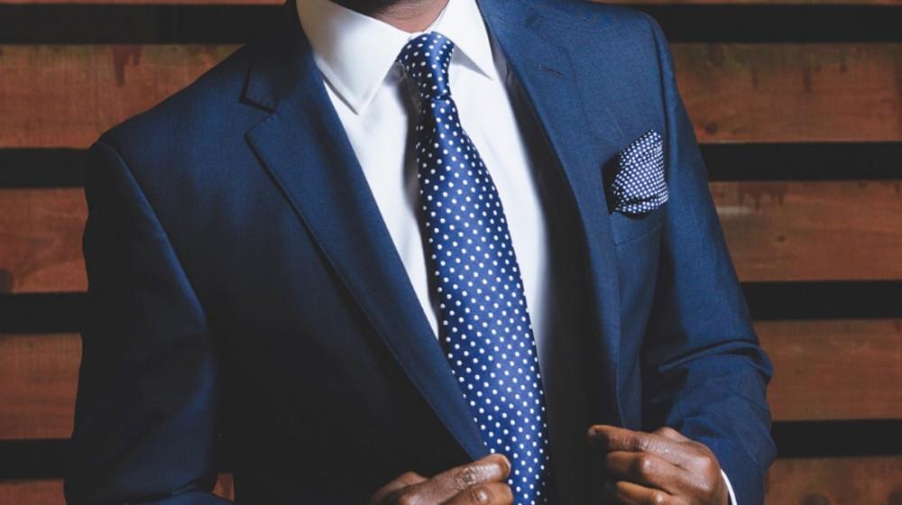 2304de1de889 Poradňa džentlmena  Tmavomodrý oblek pre začiatočníkov