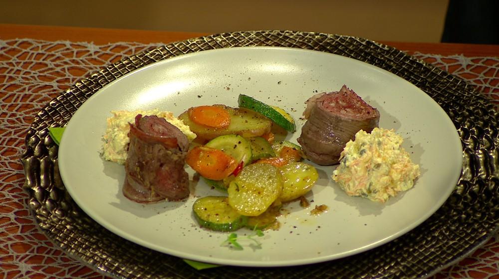 Moja mama - recepty - Mäsový špíz ,tvarohový šalát, pečené baby zemiaky