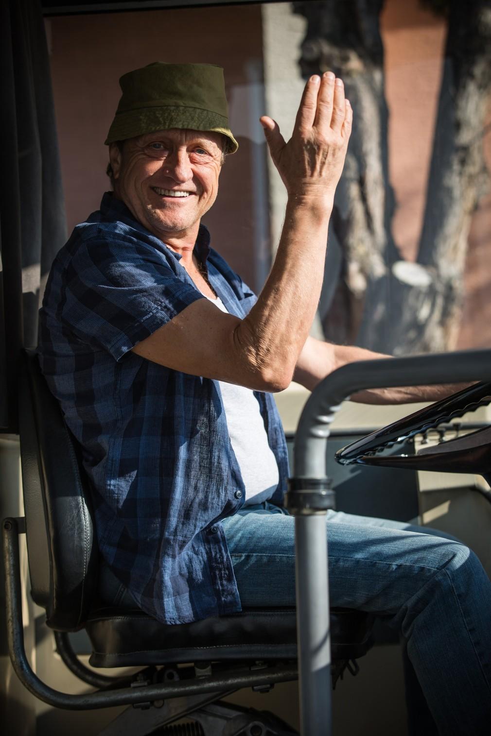 Prázdniny - Ľubo Paulovič ako šofér autobusu