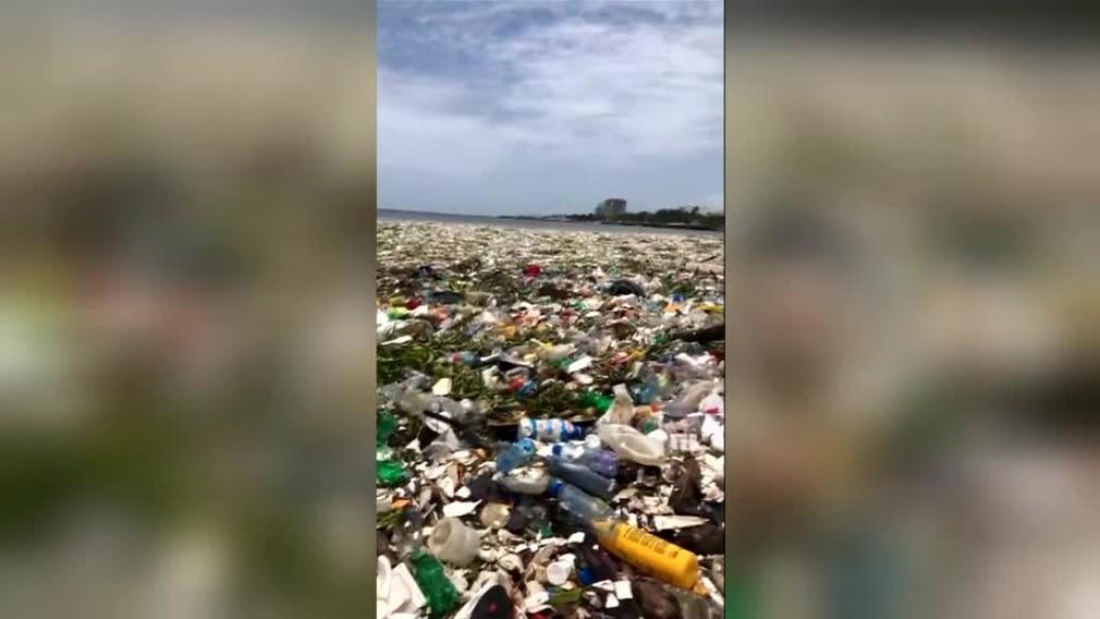 More plné plastov. Pohľad na vlny v Dominikánskej republike, trhá za srdce2043
