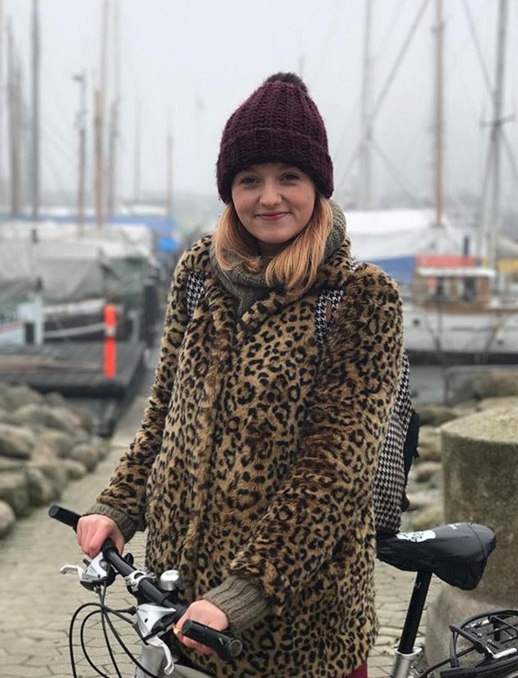 <p>Mladá žena zavítala aj do chladného Dánska.</p>