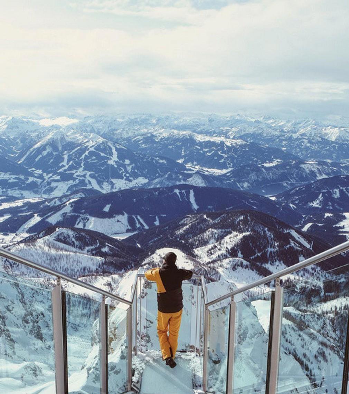 Dachstein (Rakúsko) - Nad ľadovcom Dachstein nájdete jeden z najvyššie položených mostov na svete. Ak máte strach z výšok, toto miesto radšej nenavštevujte aj keď za prekonanie by určite stálo. Veď posúďte sami.