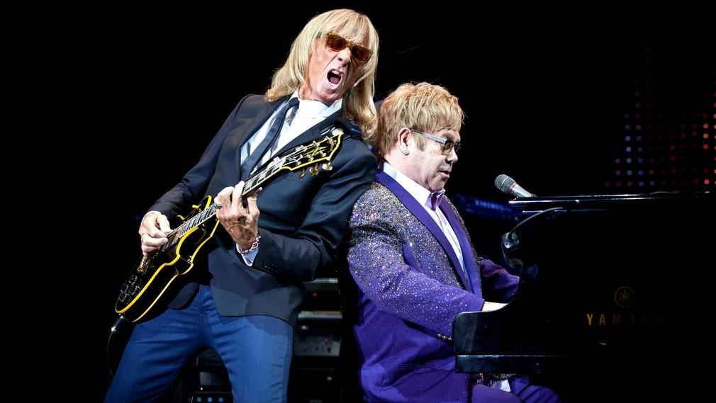Elton John gitarista 2