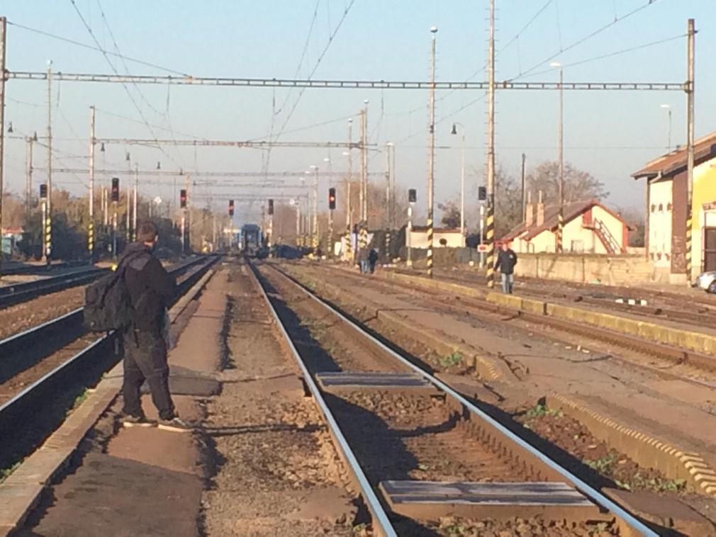 Zrážka auta s vlakom Sládkovičovo