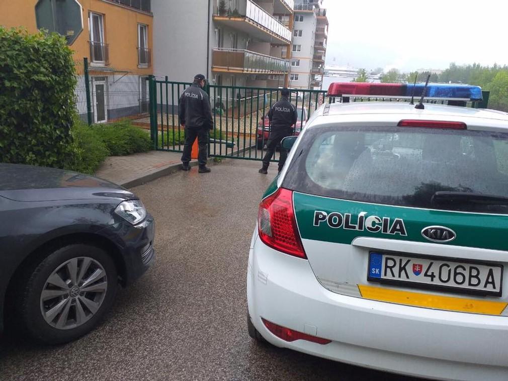 Vražda na žilinskom sídlisku. O život prišiel tínedžer, ktorý chránil svoju priateľku