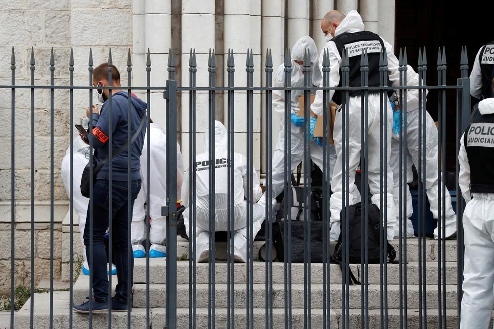 Útok nožom vo francúzskom kostole