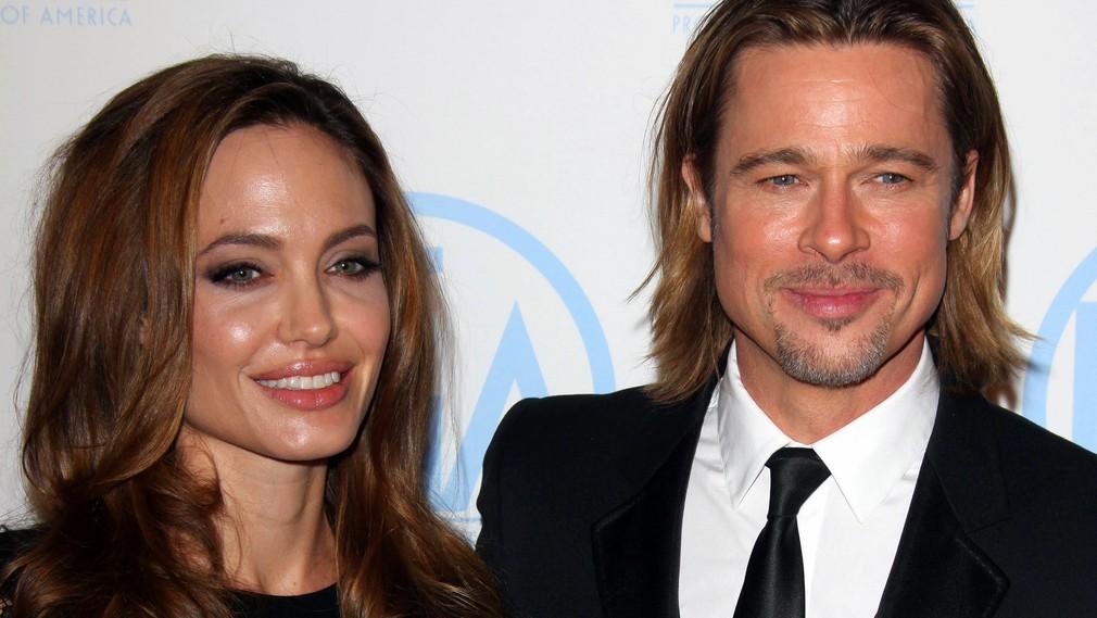 Angelina Jolie Brad Pitt zásnuby spolu na fotografii