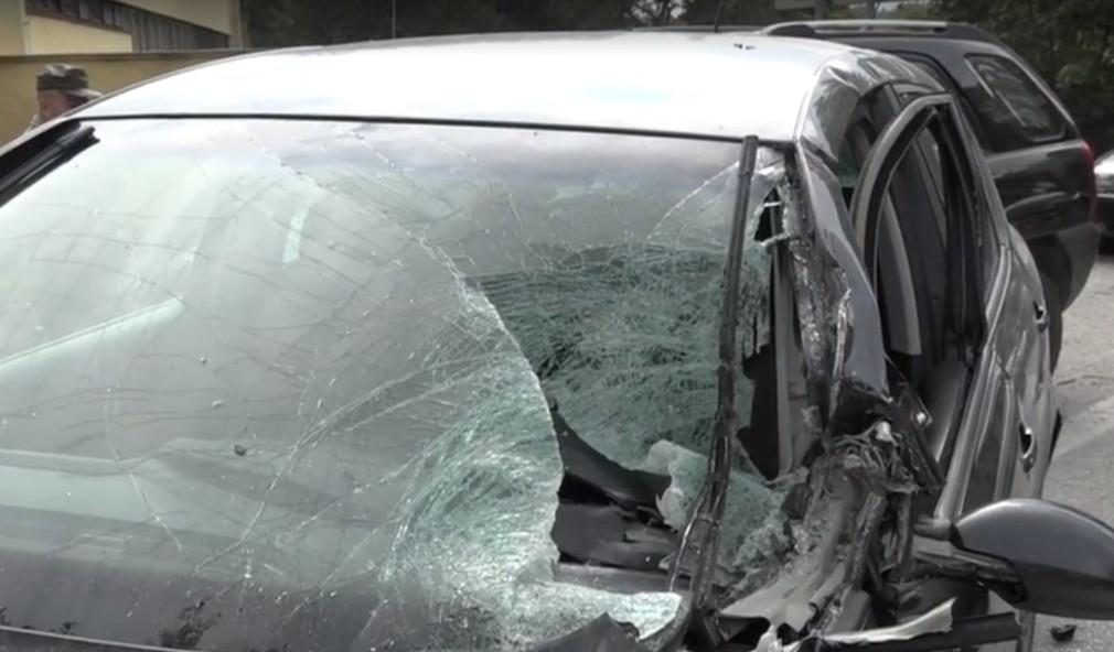 Vodič vojenskej Tatry nabral päť áut