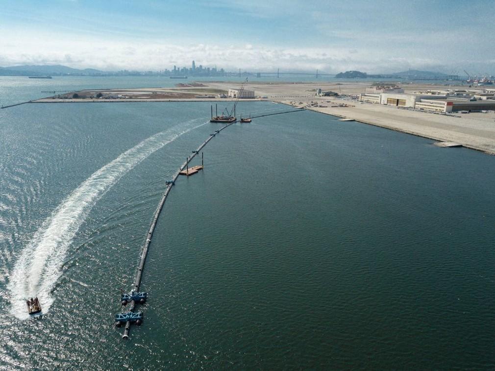 Systém na odstránenie plastov z morí