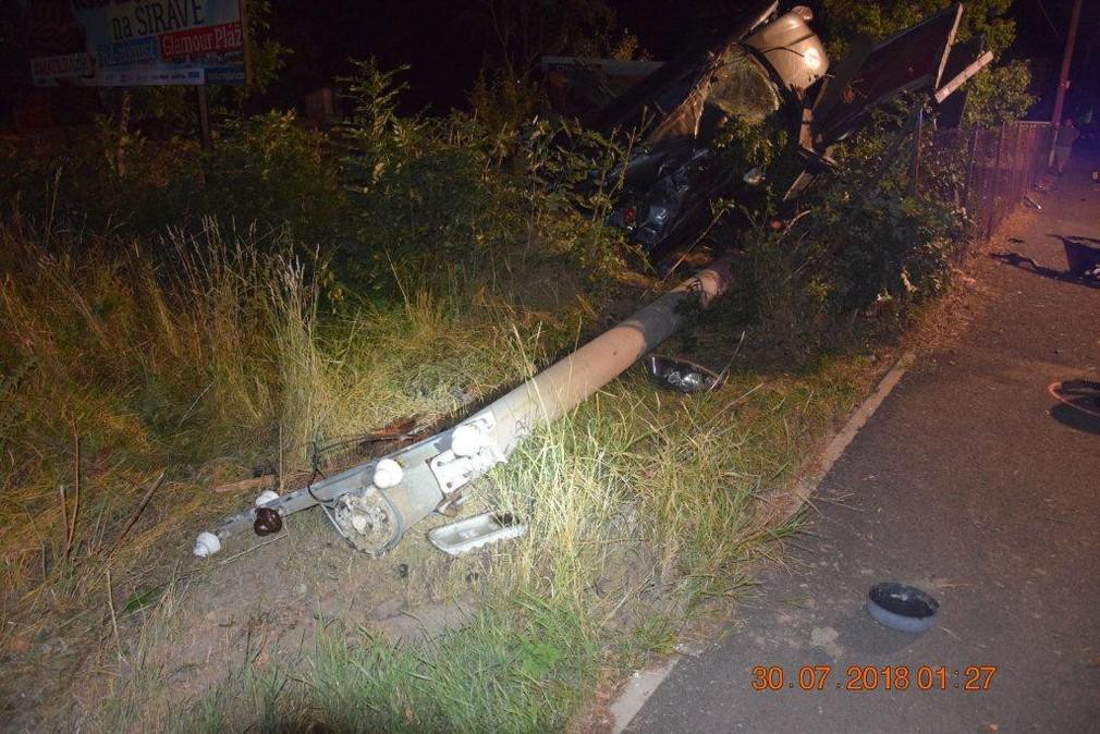 Tragická automobilová nehoda v Zalužiciach