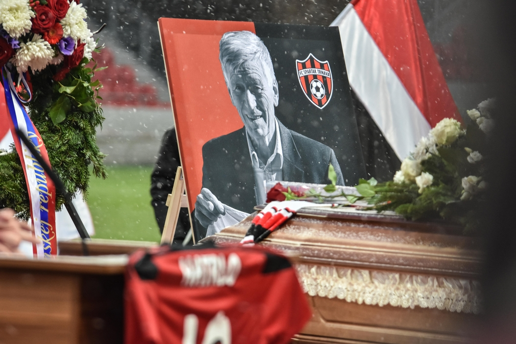 Rozlúčka s futbalistom Jozefom Adamcom