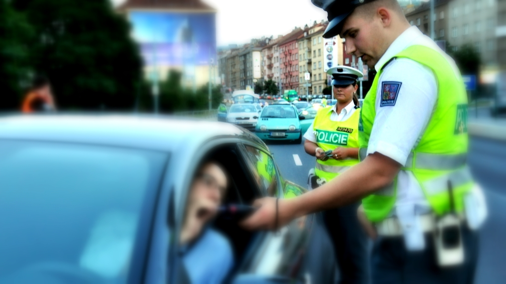 policajt kontrola fukanie