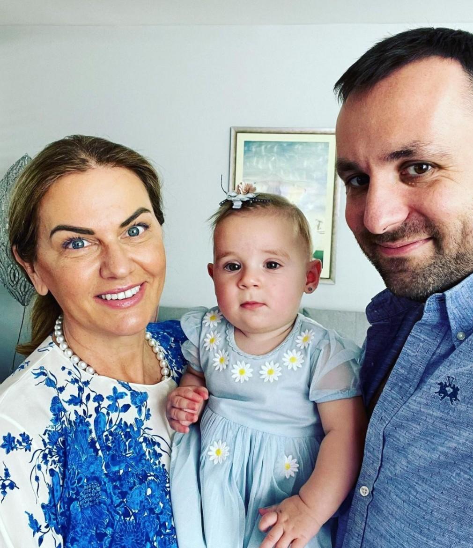 Monika Beňová s rodinou