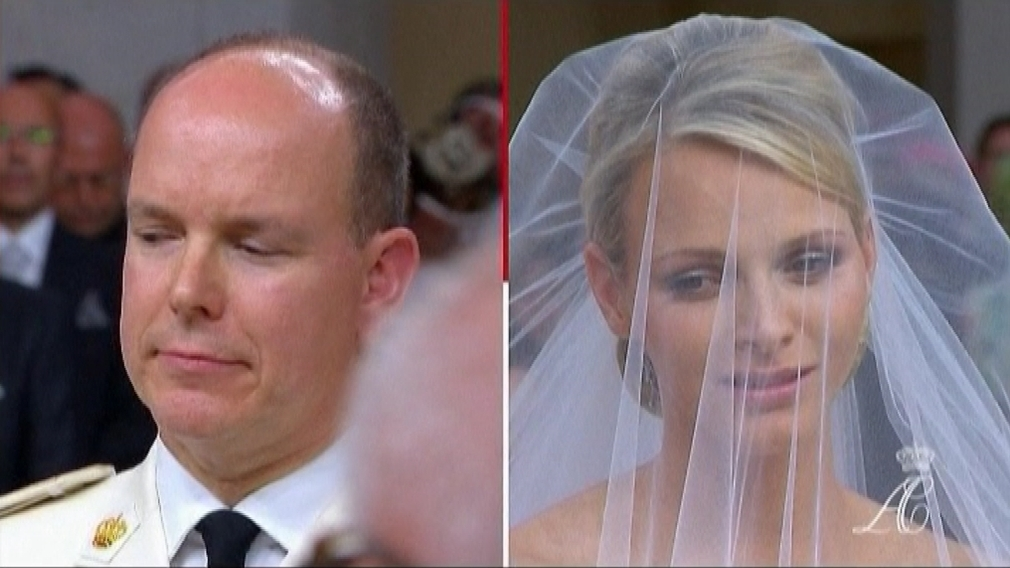 Monacké knieža princ Albert II. a juhoafrická plavkyňa Charlene sa vzali