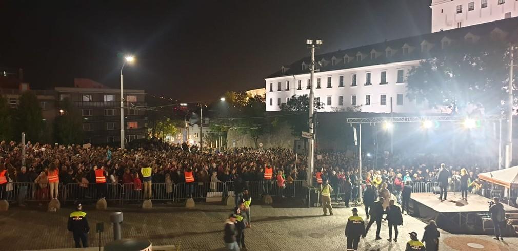 Slováci opäť vyšli do ulíc. Tentokrát bojujú za Spravodlivé Slovensko