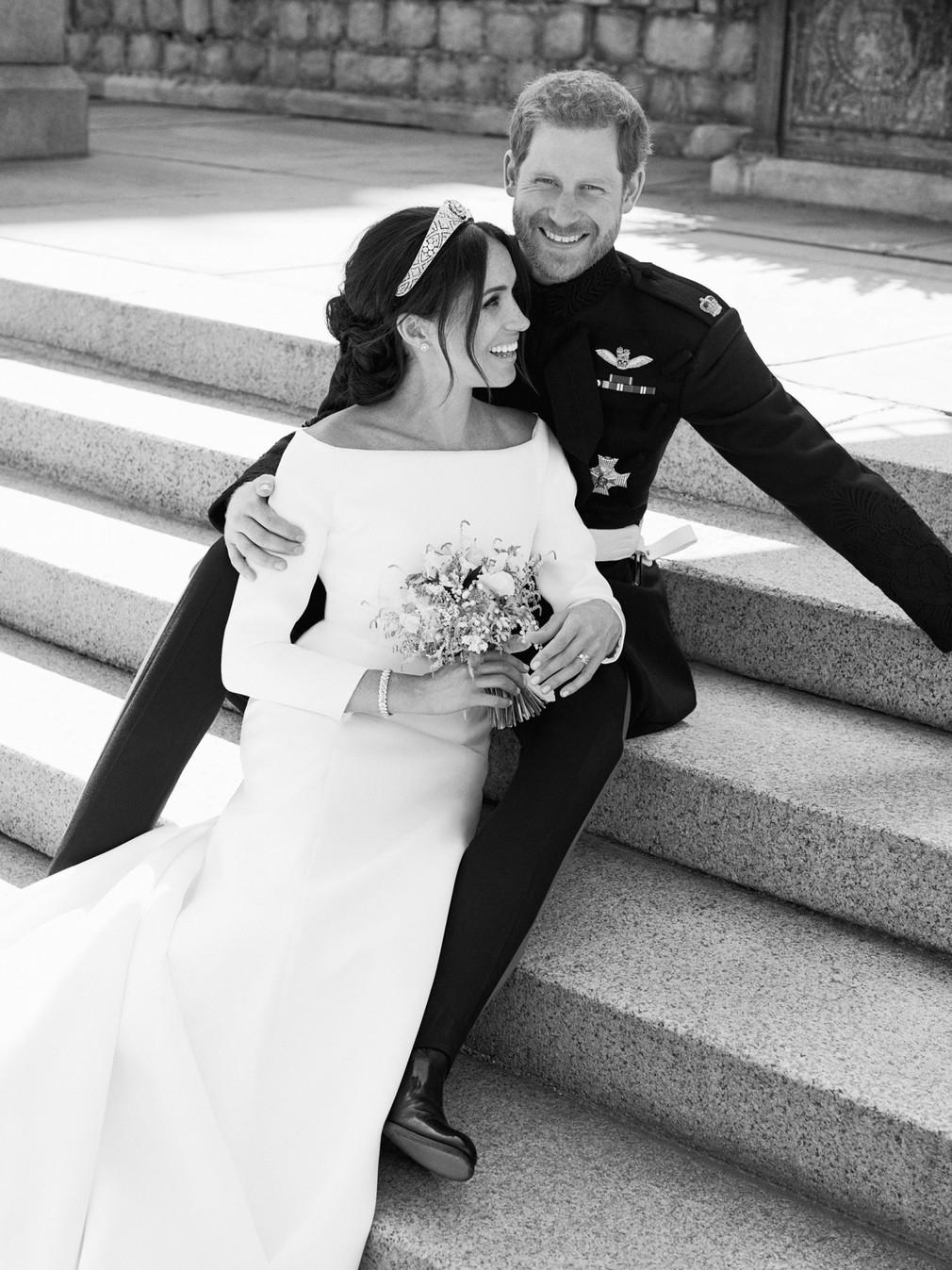 Meghan a Harry oficiálna svadobná foto