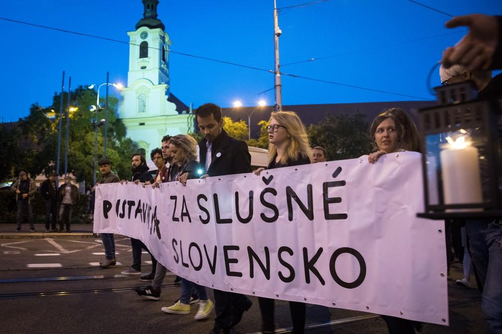 FOTOGALÉRIA: Pochod Za slušné Slovensko - Nikam neodchádzame. Ľudia opäť vyšli do ulíc