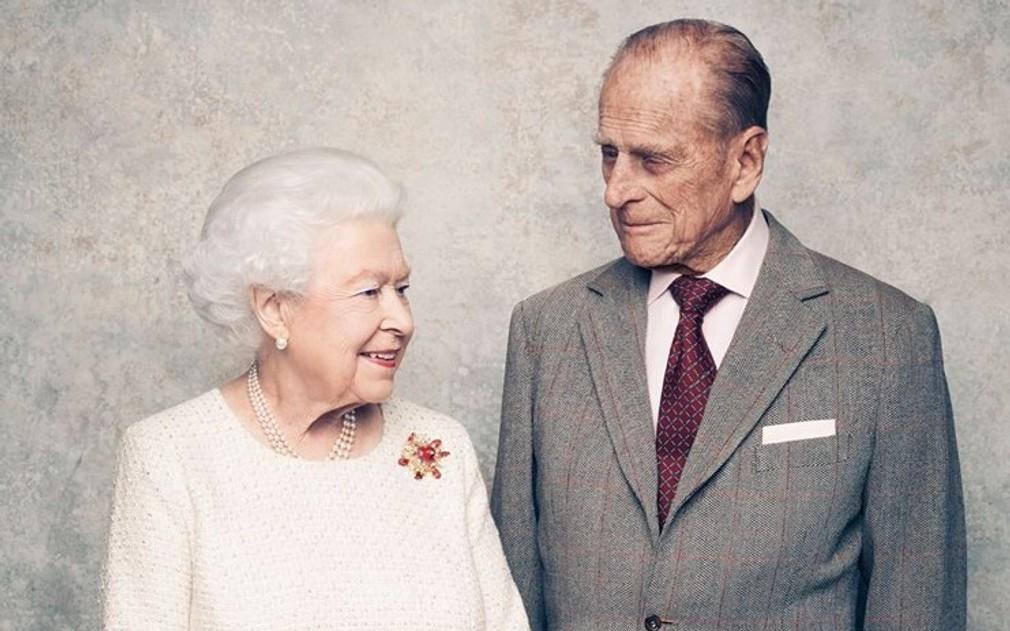 Kráľovná Alžbeta II. s princom Philipom