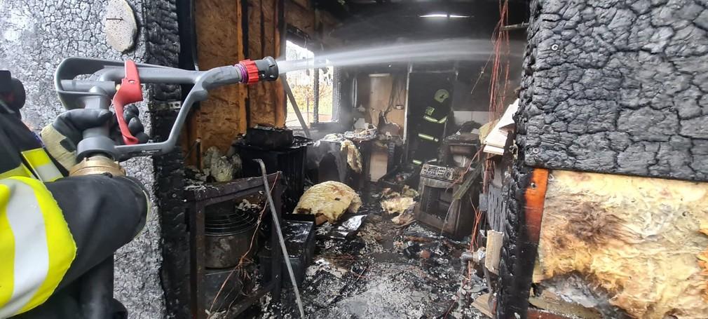 V obci pri Komárne vybuchol stánok s rýchlym občerstvením.
