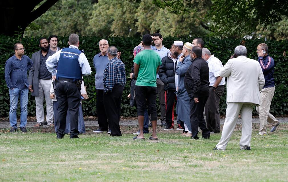Streľba v mešitách. O život prišli desiatky ľudí