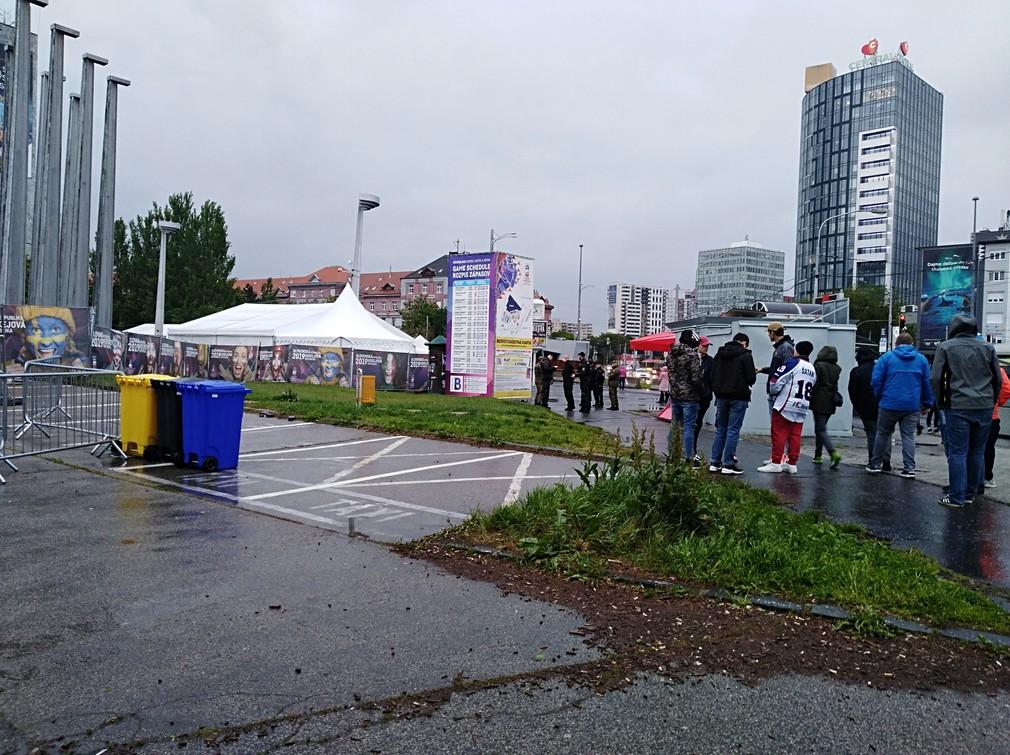 Zlá správa pre fanúšikov hokeja: Fanzónu v Bratislave zrušili
