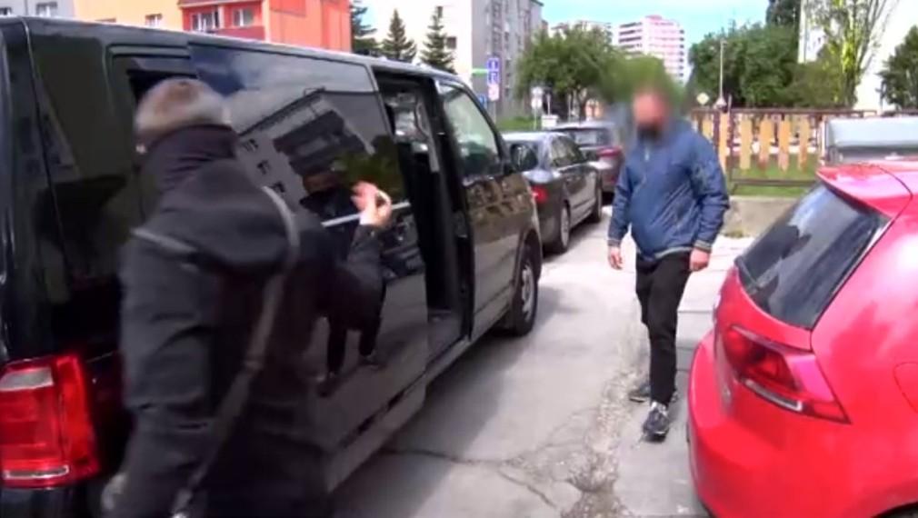 Policajti zatýkali policajtov.