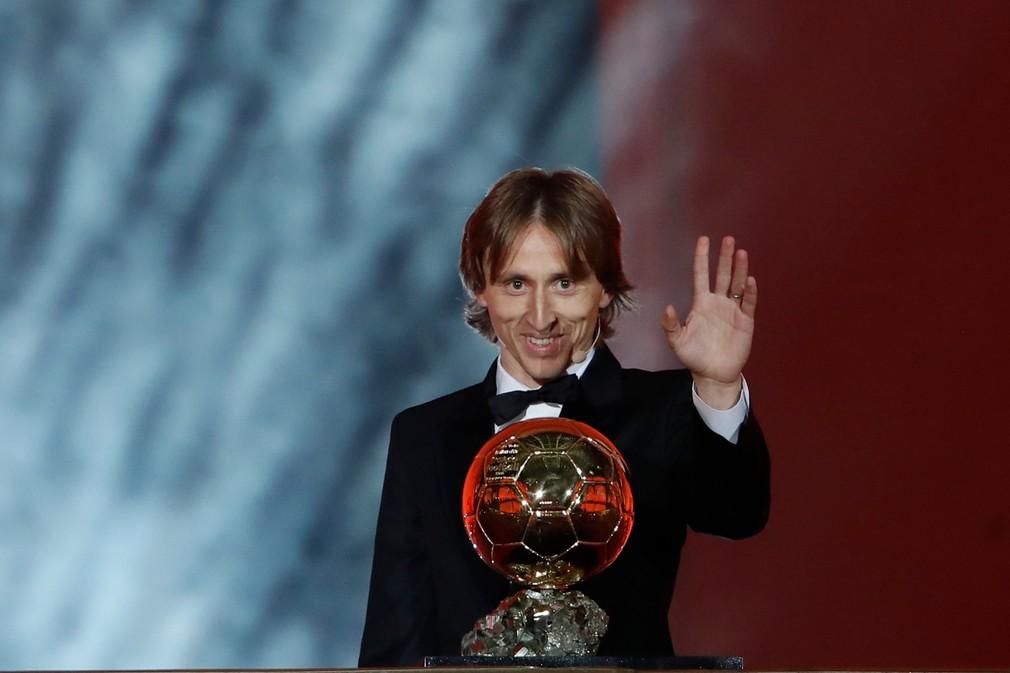 Luka Modrič získal cenu Zlatá lopta 2018
