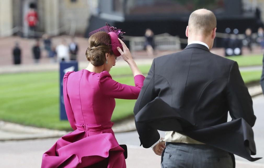 1eab5d0f1ca4 Príchody hostí na kráľovskú svadbu. William a Kate