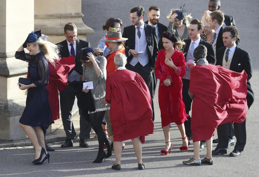 902b2027e8a8 Príchody hostí na kráľovskú svadbu. Svadobní hostia