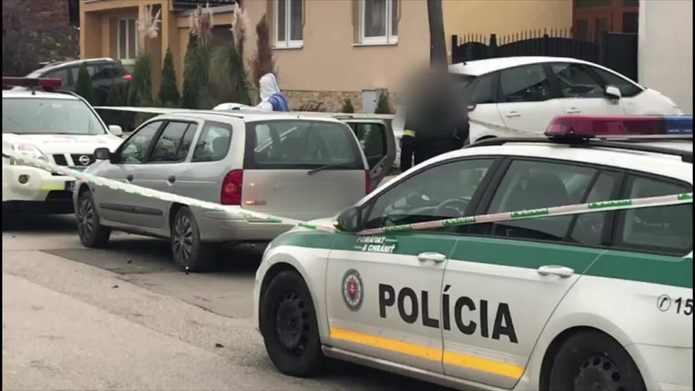 Policajti zastavili muža, ktorého podozrievali z požitia alkoholu. Previerka ich priviedla k mŕtvej žene