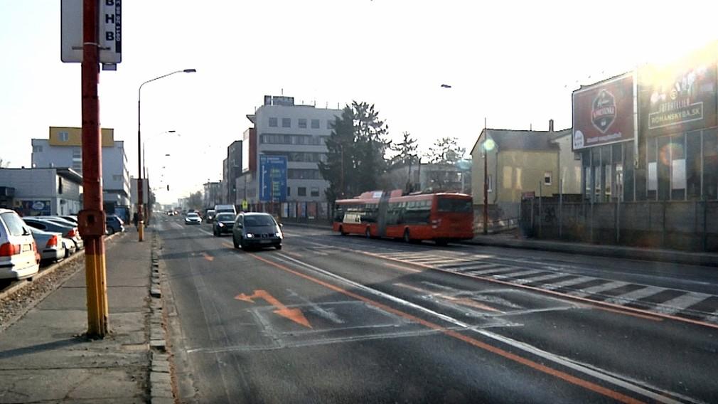Bratislava prežila prvé ráno dopravných obmedzení. Kolóny neboli dlhšie ako zvyčajne, tvrdí primátor