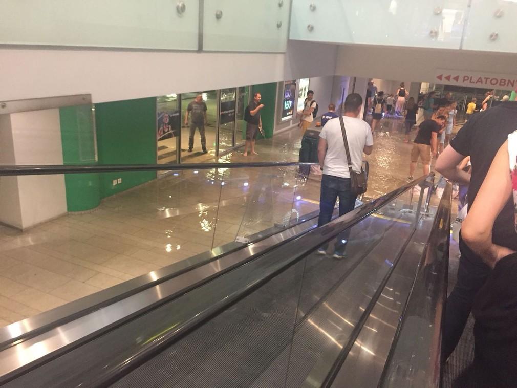 zaplavené nákupné centrum Central v Bratislave  9a160f58f06
