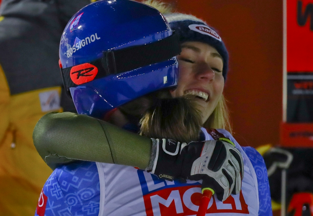 Petra Vlhová a Mikaela Schiffrin