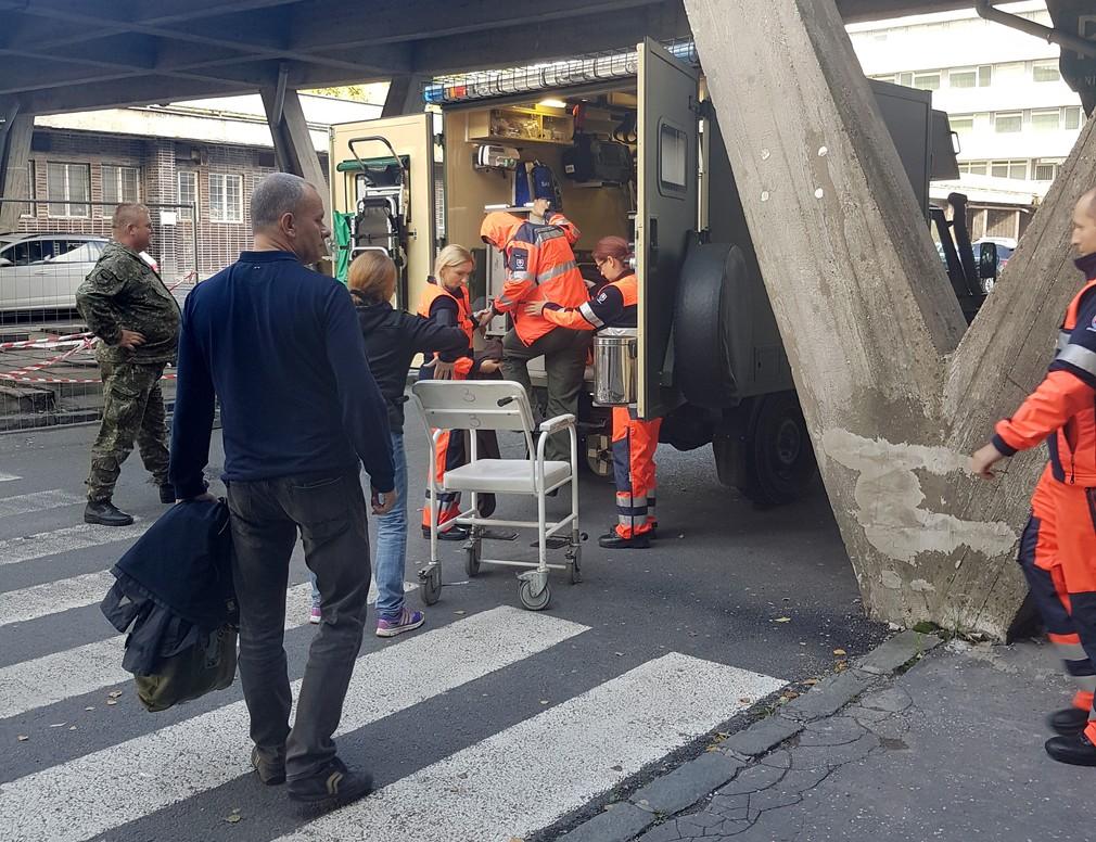 Pilota previezli do banskobystrickej nemocnice