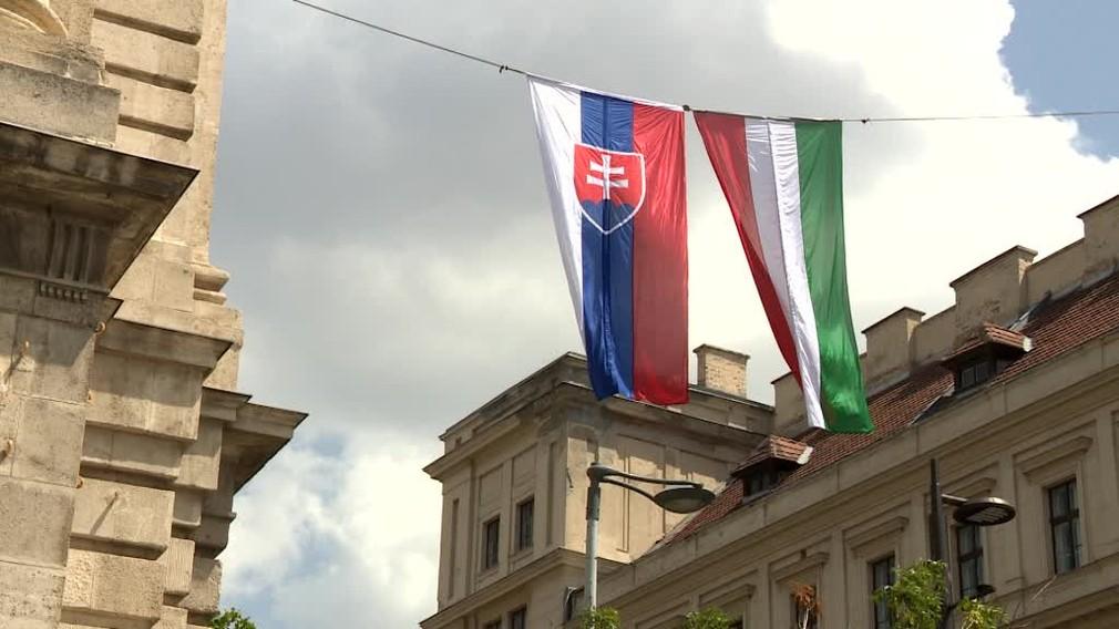 Pellegrini sa stretol v Budapešti s kolegom Orbánom. Tí sa už nechcú pred nikým skláňať135