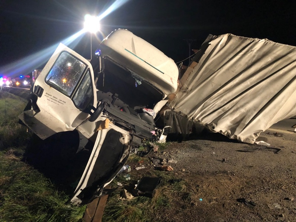 Vážna dopravná nehoda pri Košiciach. Z dodavky ostal šrot