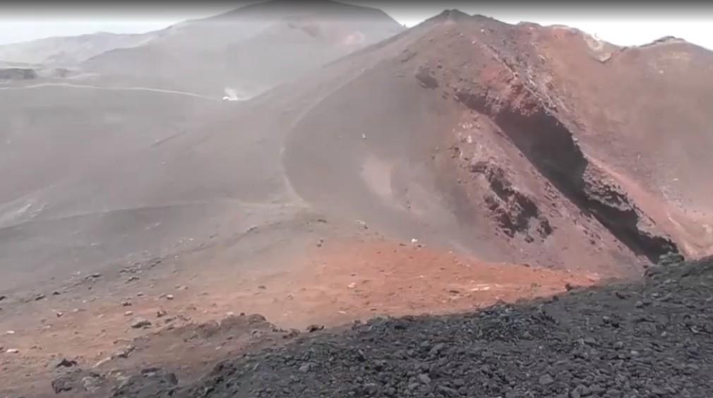 Redaktor TV JOJ vystúpil na dymiacu Etnu