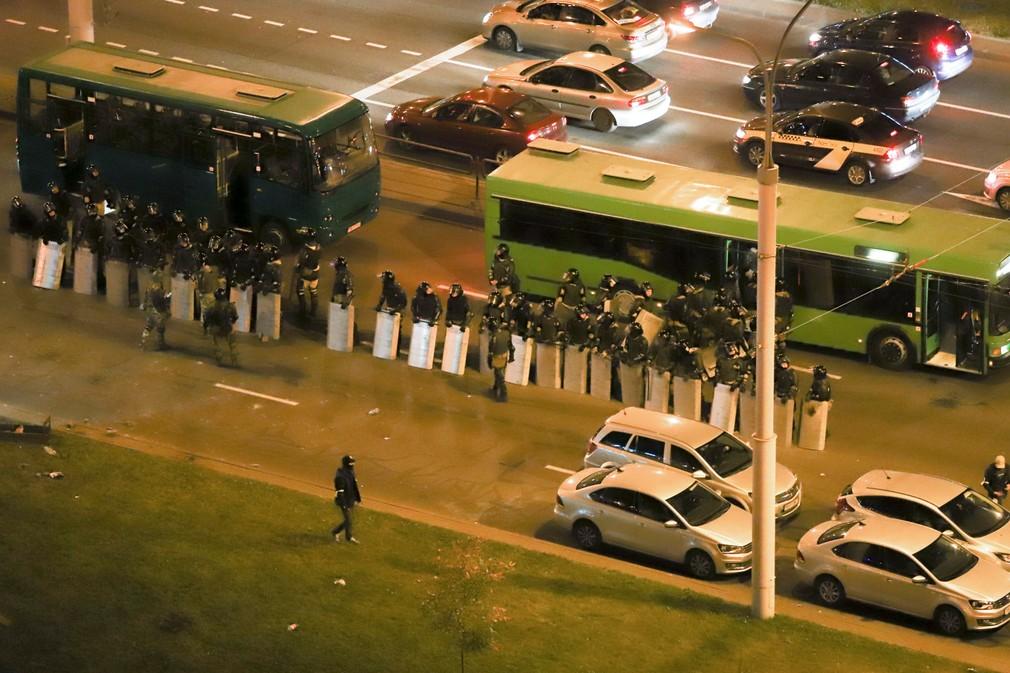 Protestujúce ženy v Bielorusku a zásah polície
