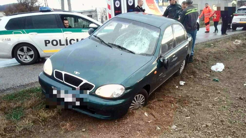 Nehoda v Nižnej Myšli, do ľudí vrazilo auto