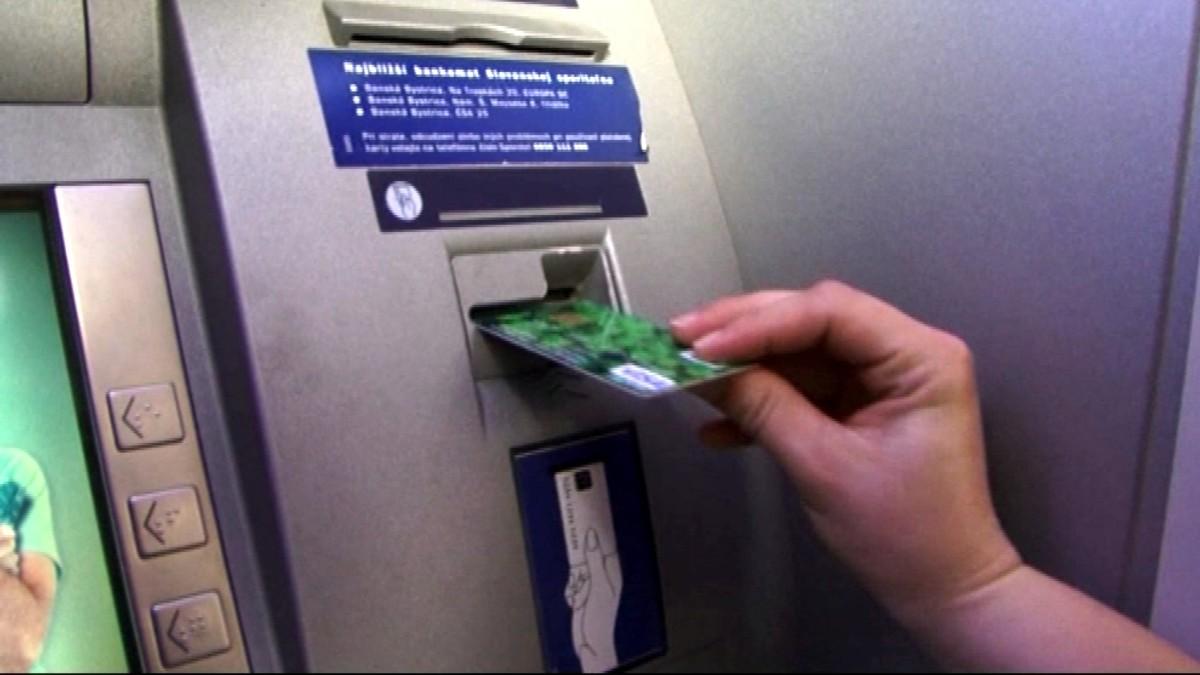 Zlodej ukradol kabelku s PIN-kódom. Neopatrnej majiteľke vybielil účet c747d187aad