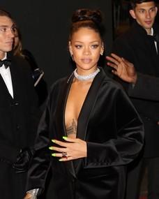 čierne lesbické bradavky