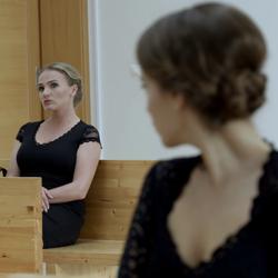 Zuzana Marošová v čiernej komédii Hrobári