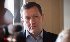 """""""Teraz je na posúdení prokurátora, či aj zo strany vyšetrovateľa bolo splnené všetko, čo na objektívne posúdenie okolností nehody malo byť splnené. Vždy som bol zástancom rovnosti pred zákonom a som ním aj v prípade, ktorý sa týka mojej osoby,"""" napísal Daniel Lipšic. Viac v linku a o 19:00 na #Krimi https://www.noviny.sk/slovensko/215025-vysetrovanie-lipsicovej-nehody-ukoncili"""
