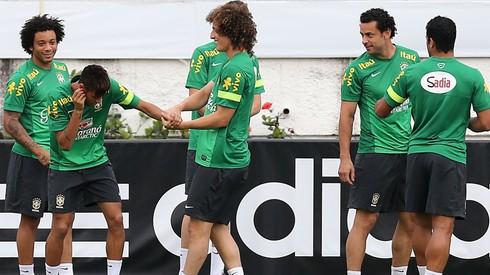 Tréning Brazília_Neymar a David Luiz