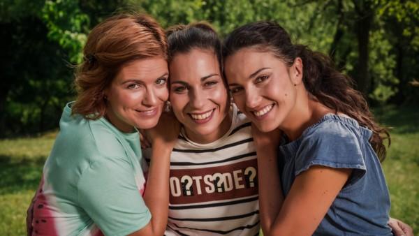 Prázdniny - Zuzana Norisová, Kristina Greppelová, Lucia Siposova