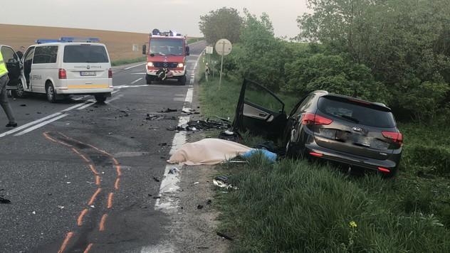 Smrteľná nehoda pri Vrábloch. O život prišla 66-ročná žena 048cd3c2901