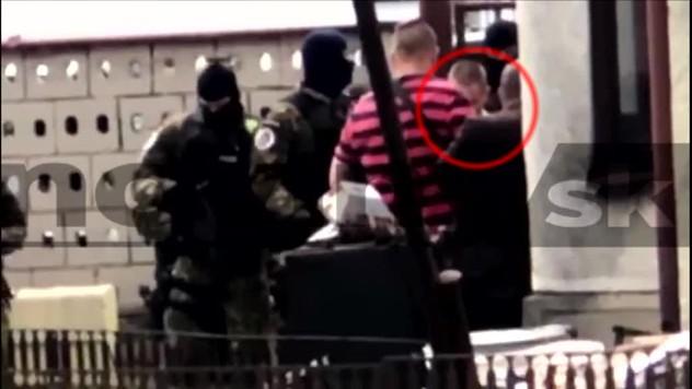 8d2d781b5 ONLINE: Rekonštrukcia vraždy v Kuciakovom dome. Na mieste je obvinený  Miroslav Marček
