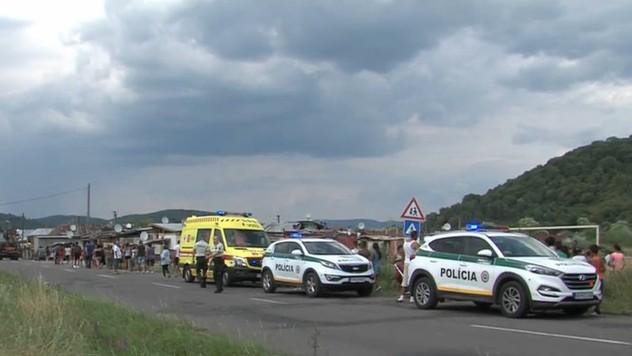 296726b50 Deti, ktoré vbehli do cesty vodičovi, sa hrali bez dozoru. Vodičovi dala za  pravdu aj polícia