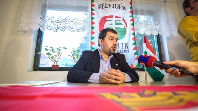 1b3d8673c8 V Dunajskej Strede si poslanec maďarského Jobbiku otvoril kanceláriu
