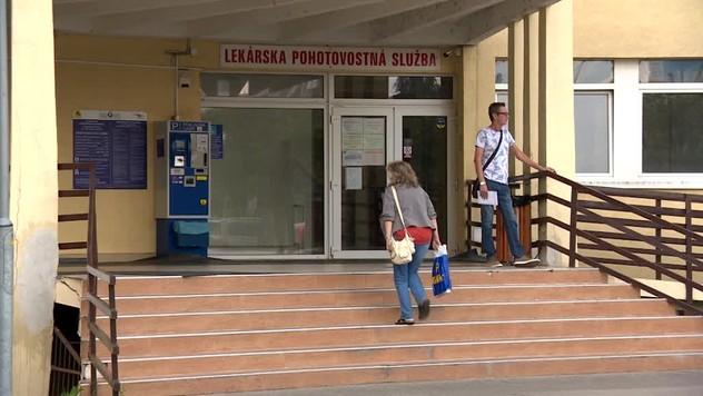 7b9199812f Fakultná nemocnica v Žiline má problém. Viac ako polovica lekárov na  pohotovosti nepodpísala zmluvu
